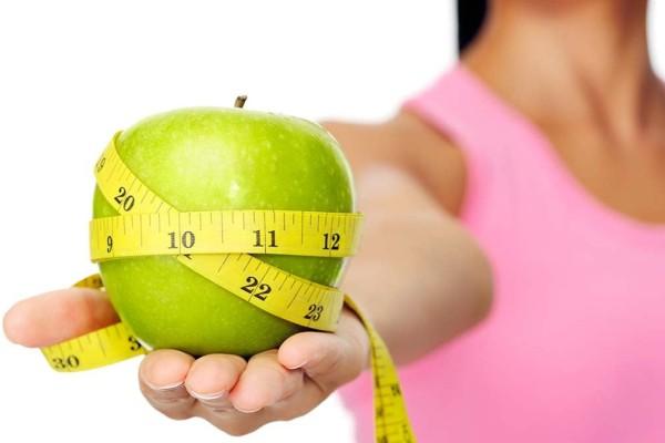Δίαιτα της τεμπέλας: 6+1 απλά πράγματα που μπορείς να κάνεις για να χάσεις κιλά ενώ χαλαρώνεις