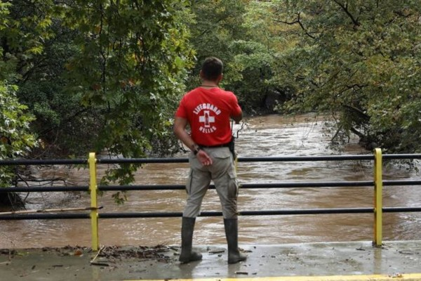 Εύβοια: Προβλήματα λόγω της βροχόπτωσης - Διακοπή υδροδότησης και πτώσεις βράχων