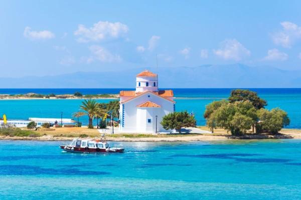 Xρυσή καλοκαιρινή τουριστική σεζόν για αυτό το νησί - Aκόμα και τώρα έχει 50% πληρότητα
