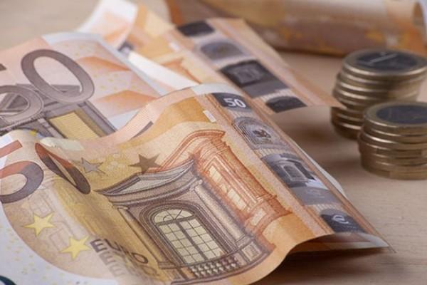 Επίδομα πρώτης πρόσληψης: 670 ευρώ πρώτος μισθός - Αφορά νέους έως 29 ετών