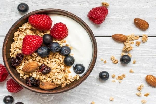 Κατανάλωσε φρούτα πριν το πρωινό και δες τεράστια αλλαγή στο σώμα σου!