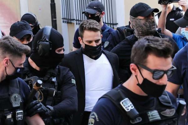 Εξελίξεις στα Γλυκά Νερά: Αυτό είναι το πρόσωπο που φοβάται ο Μπάμπης Αναγνωστόπουλος για τα πιο σκοτεινά του μυστικά