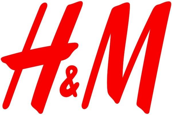 H&M: Πανζουρλισμός με αυτό το πουλόβερ - Κοστίζει μόνο 9,99€