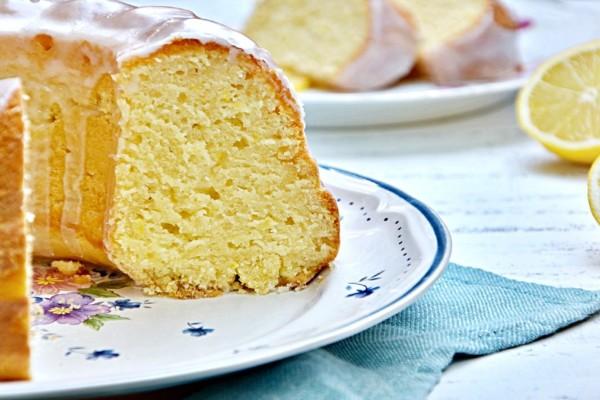Εύκολο κέικ λεμονιού με ελαιόλαδο