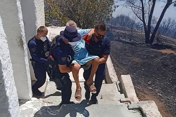 Έγκλημα στην Κερατέα: Την έσωσε η ΟΠΚΕ από τις φλόγες και τη σκότωσε ο γιος της
