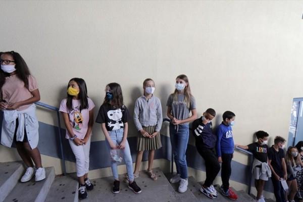 «Συναγερμός» από τους επιστήμονες! Όλα τα ανεμβολίαστα παιδιά θα εκτεθούν στον κορωνοϊό μέχρι τα Χριστούγεννα