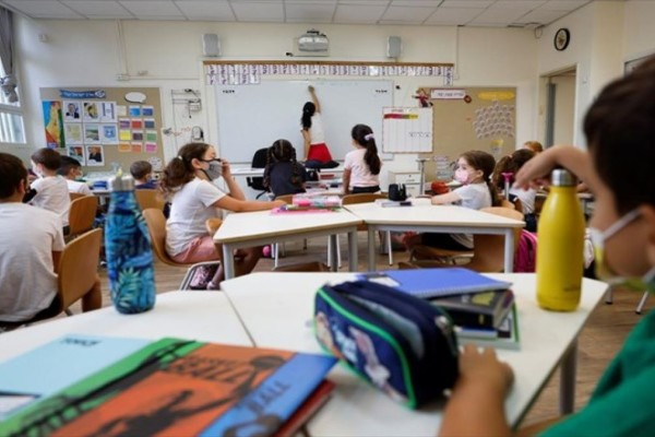 Plan B για τα σχολεία: Φόβοι ότι δε θα μείνουν ανοιχτά για πολύ - Όλα στον «αέρα» (Video)