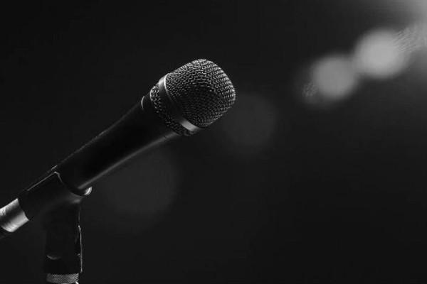 Συνελήφθη χήρα λαϊκού τραγουδιστή για παράνομη οπλοκατοχή
