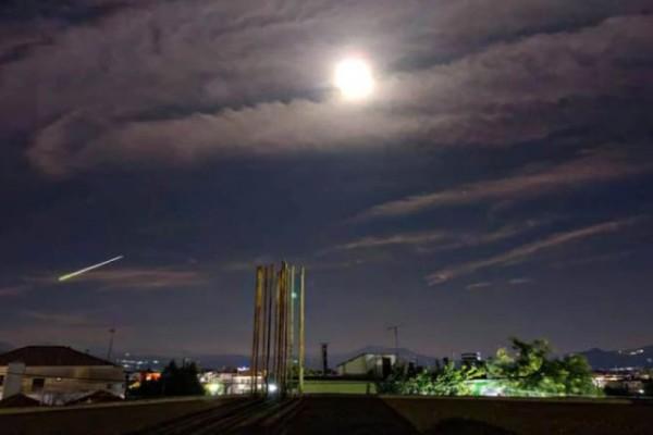 Μετεωρίτης «έσκισε» τον ουρανό της Αττικής και έκανε τη νύχτα μέρα - Ορατός σε πολλές περιοχές της Ελλάδας (photo-video)
