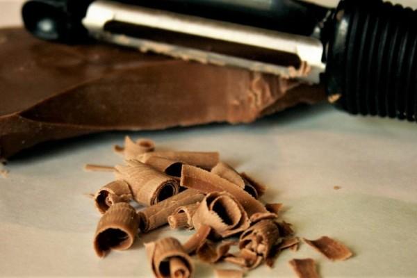 Προσοχή! Τι είναι η λευκή κρούστα που εμφανίζει η σοκολάτα