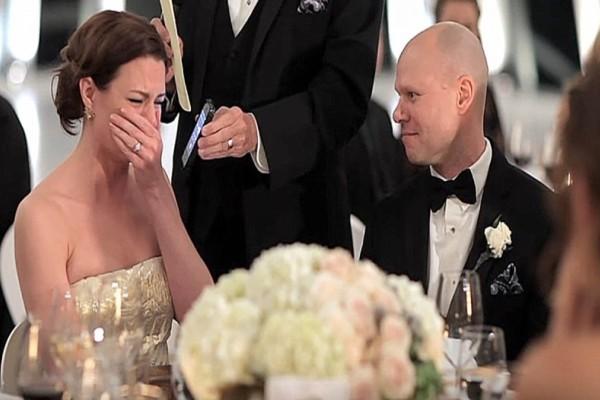 Πήρε τηλέφωνο ο παππούς αυτής της νύφης στον γάμο...Τα λόγια του, την έκαναν να κλάψει!