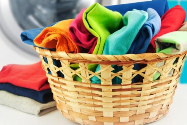 5 + 1 λόγοι για να αρχίσετε να βάζετε λευκό ξίδι στην μπουγάδα σας