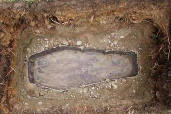 Απίστευτο: Αυτός είναι ο λόγος που οι νεκροί θάβονται 2 μέτρα κάτω από την Γη