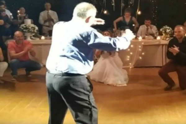 75χρονος μερακλής παππούς χόρεψε ζεϊμπέκικο και