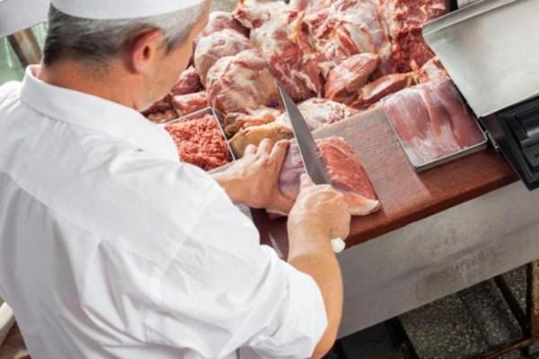 Προσοχή: Έτσι σας κλέβουν όταν ζυγίζουν το κρέας που αγοράζετε