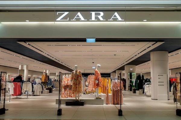 ZARA: Το απόλυτο μαύρο φόρεμα σε σούπερ τιμή!