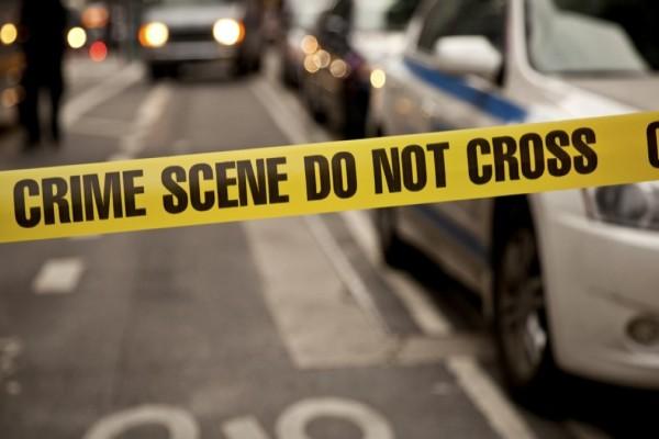 Άγριο έγκλημα: Γυναίκα κατέσφαξε τον πατέρα της και την σύντροφό του μέσα στο σπίτι τους