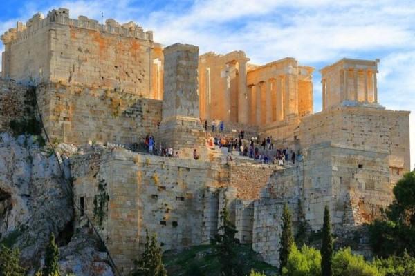 Η φωτογραφία της ημέρας: Καλημέρα από τον βράχο της Ακρόπολης