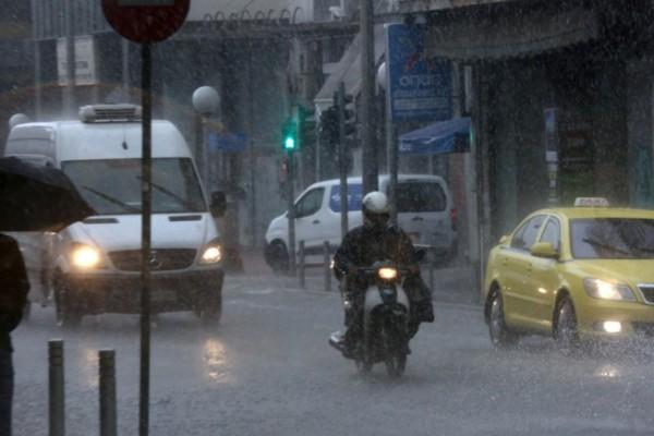 Κακοκαιρία «Μπάλλος»: Εισηγήσεις για απαγόρευση κυκλοφορίας τη νύχτα στην Αττική και κλείσιμο του Κηφισού