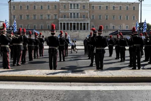 Κορωνοϊός: Αυτά θα είναι τα μέτρα για τις παρελάσεις - Η ιδιαίτερη περίπτωση της Βόρειας Ελλάδας
