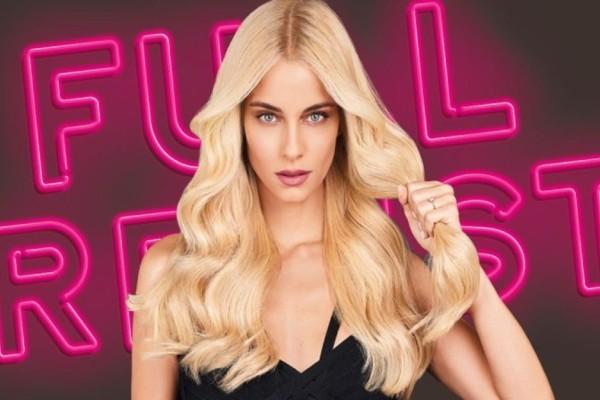 Η Δούκισσα Νομικού πρωταγωνιστεί στη νέα καμπάνια της σειράς Elvive Full Resist από τη L'Oréal Paris