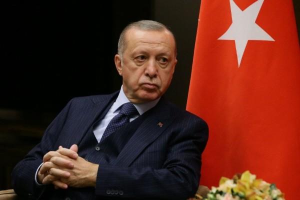 Νέο παραλήρημα από Ερντογάν: «Τουρκικό έμβλημα ο δικέφαλος αετός»