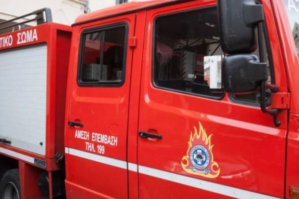 Συναγερμός στο κέντρο της Αθήνας: Φωτιά σε πολυκατοικία στον Κολωνό