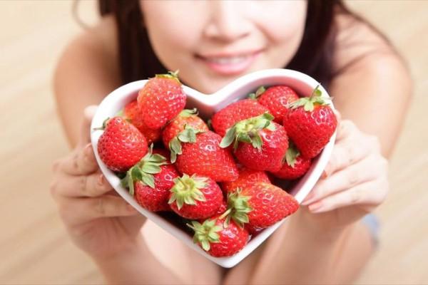 Βάλτε τις φράουλες στη διατροφή σας - Κάνουν καλό στην αρθρίτιδα και όχι μόνο!