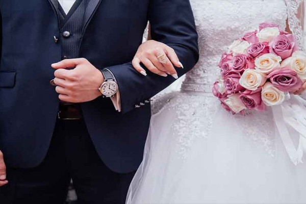 Χαμός στη Μαγνησία: Πλάκωσαν στο ξύλο αστυνομικούς που πήγαν για έλεγχο σε γαμήλιο γλέντι