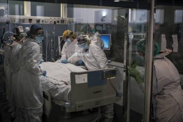 Κορωνοϊός: 2.331 νέα κρούσματα και 21 θάνατοι – Στους 347 οι διασωληνωμένοι