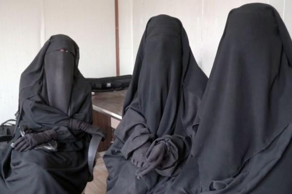 Το... ισλαμικό αβγό του φιδιού: Ελληνίδες «νύφες» θέλουν να μπουν στον ISIS!