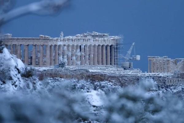 «Βαρύς» χειμώνας στην Ελλάδα: Έρχεται πολική δίνη στην χώρα - Χιόνια μέχρι και... στη θάλασσα