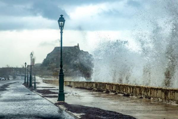 Καιρός σήμερα (04/10): Άνοδος της θερμοκρασίας με... βροχές και ανέμους! Τι μας περιμένει από την Τετάρτη σύμφωνα με τον Σάκη Αρναούτογλου!