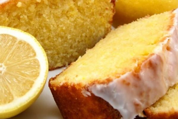 Κέικ λεμόνι: Αφράτο και απολαυστικό κέικ για μικρούς και μεγάλους που γίνεται πολύ εύκολα