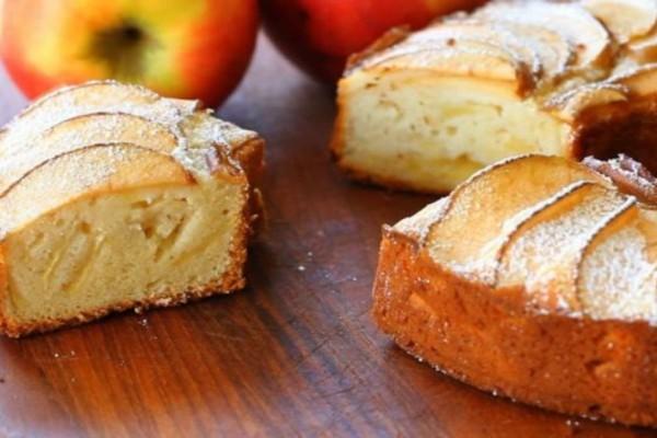 Νηστίσιμο κέικ μήλου με λάδι και πορτοκάλι