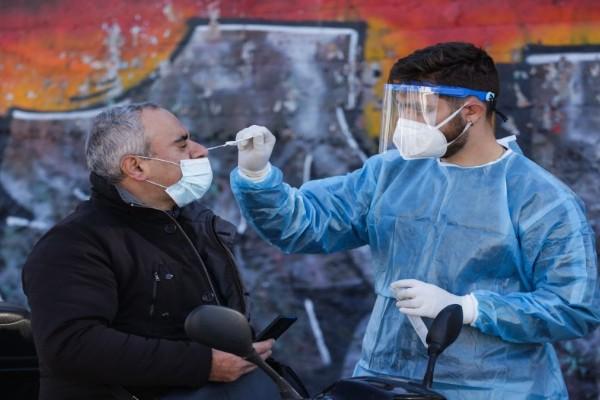 Αυξάνονται επικίνδυνα τα κρούσματα: Θα κυμανθούν κοντά στα 3.500! - Έκκληση των ειδικών για εμβολιασμό