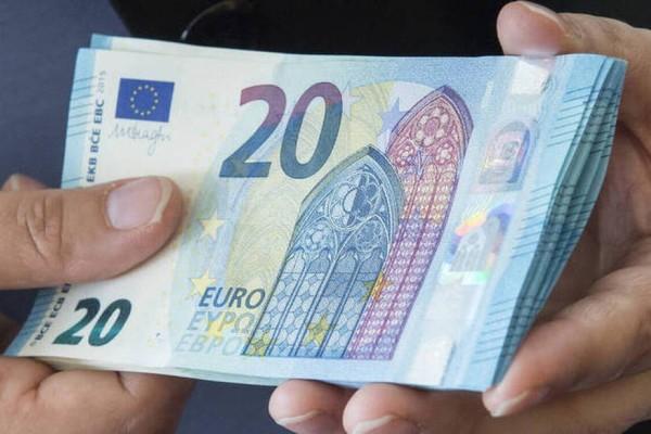 Κοινωνικό Μέρισμα 900 ευρώ: Ποιοι θα το πάρουν; Αναλυτικά παραδείγματα