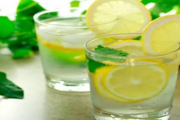 Γιατί όλοι το πρωί πρέπει να πίνουν ζεστό νερό με λεμόνι - Ένα φάρμακο για τα πάντα