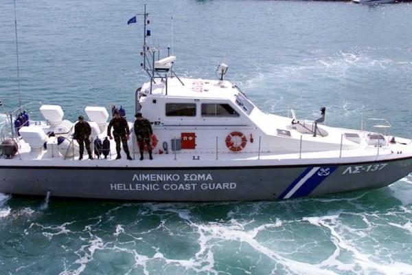 Συναγερμός στην Κρήτη: Επιχείρηση του Λιμενικού για τη διάσωση δύο παιδιών και ενός ενήλικα