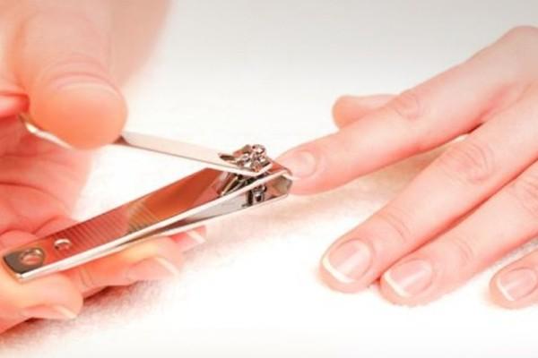 «Τετάρτη και Παρασκευή τα νύχια να μην κόψεις»: Γιατί το έλεγαν οι γιαγιάδες;