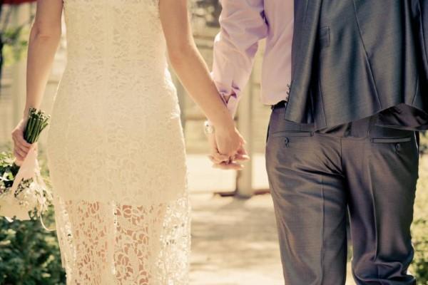 Όλοι περίμεναν την νύφη να φτάσει στην εκκλησία - Μόλις την είδαν να έρχεται δεν πίστευαν σε αυτό που αντίκρυζαν