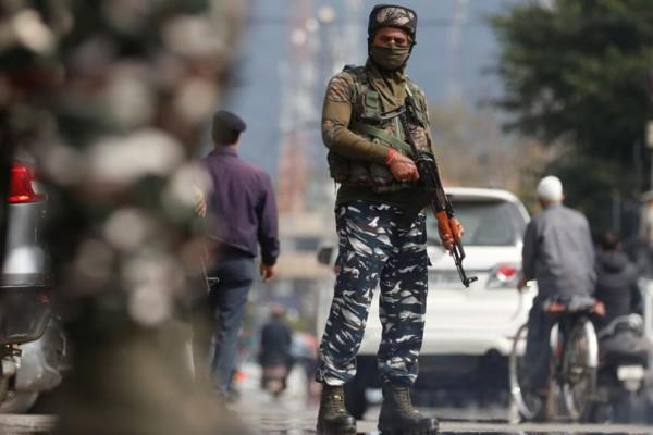 Φρίκη στο Πακιστάν: Πατέρας έκαψε ζωντανές τις δύο κόρες και τα τέσσερα εγγόνια του