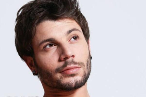 Αποκάλυψη από τον Πάρη Σκαρτσολιά: «Πολύ γνωστός ηθοποιός είπε στον σκηνοθέτη να με διώξει»