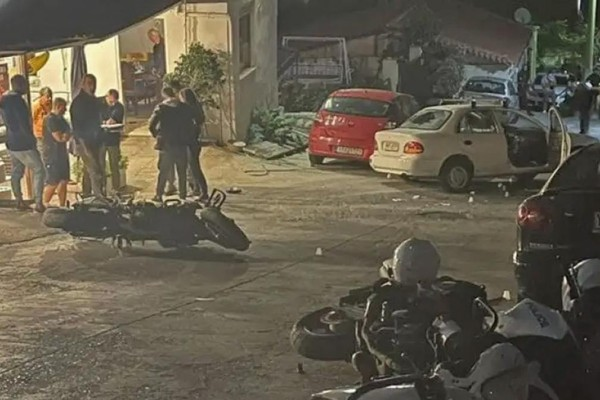 Πέραμα: Ρομά έκλεισαν την Αττική Οδό – Πετροπόλεμος με την Αστυνομία