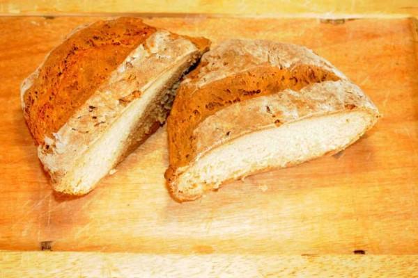 Το... ψωμί του τεμπέλη με μαγειρική σόδα