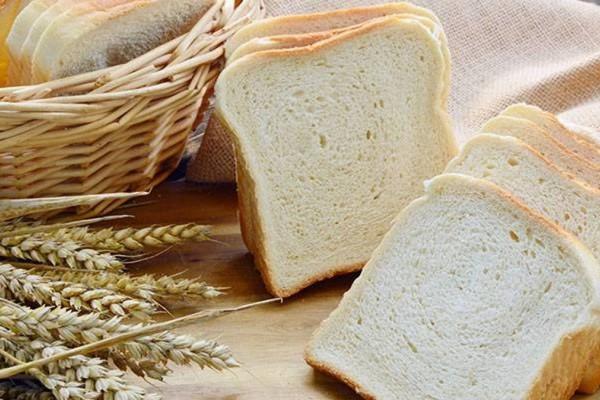 Άν μάθετε ποιο συστατικό «κρύβεται» στο ψωμί του τοστ, δεν θα φάτε ξανά!