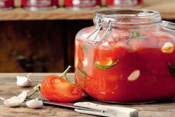 Λάδι ντομάτας: Ένα μαγικό καλλυντικό κατά της ακμής