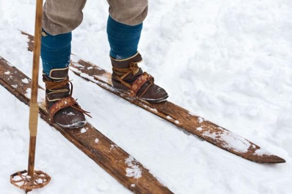 Ανακαλύφθηκαν τα αρχαιότερα ξύλινα πέδιλα σκι 1.300 ετών