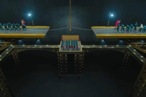 Squid Game: Γκάφα του σκηνοθέτη στη διελκυστίνδα ή κρυφό μήνυμα για το τέλος;