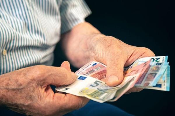 Προκαταβολή συντάξεων: Ποιοι πρέπει να επιστρέψουν ποσά